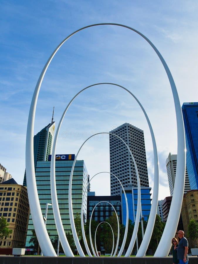 Modern Spanda skulptur, Elizabeth Quay, fräcka västra Australien arkivbild