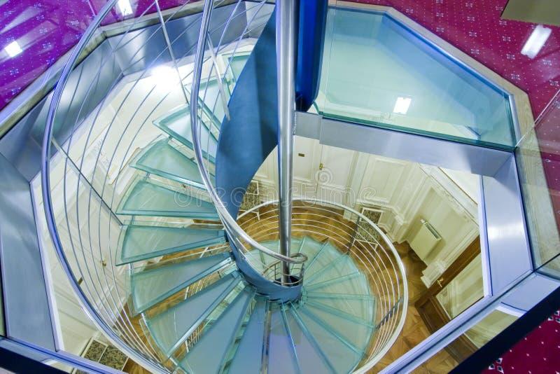 modern spiral trappuppgång royaltyfri foto