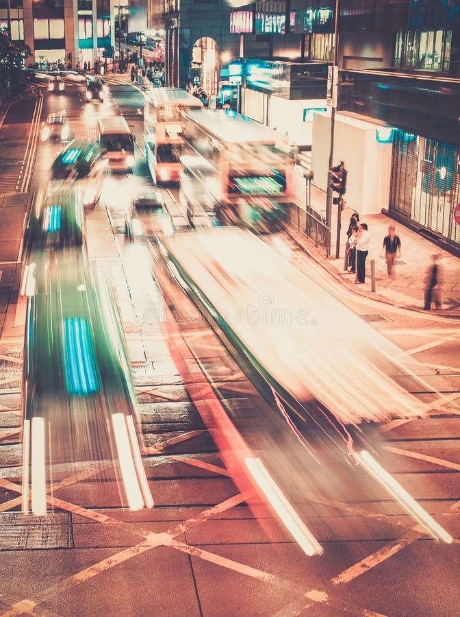 Modern stad på natten royaltyfria bilder