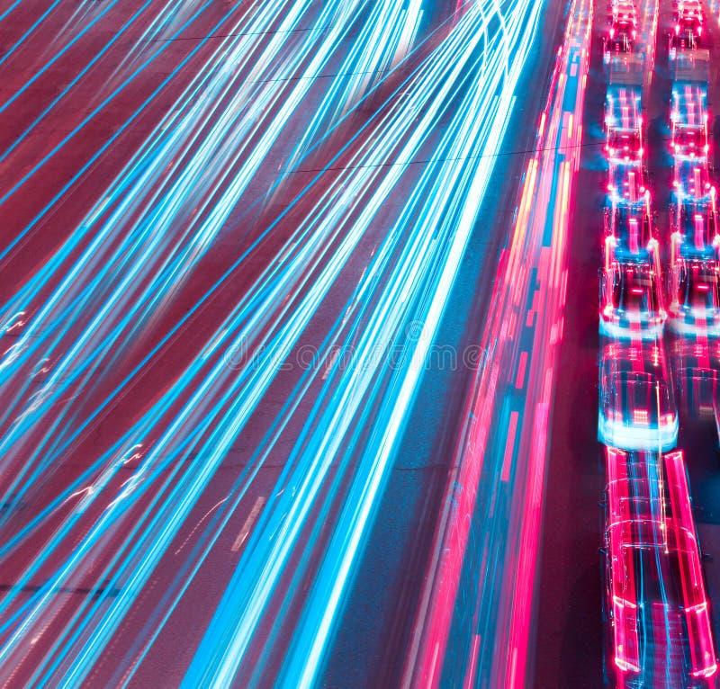 Modern stads- stad på natten fotografering för bildbyråer