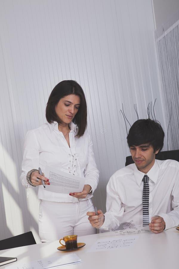 Modern team op het kantoor stock foto's