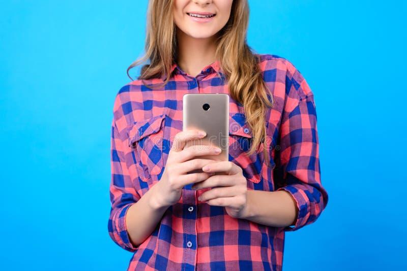 Modern technologie het babbelen communicatie concept Sluit omhoog cropp royalty-vrije stock foto's