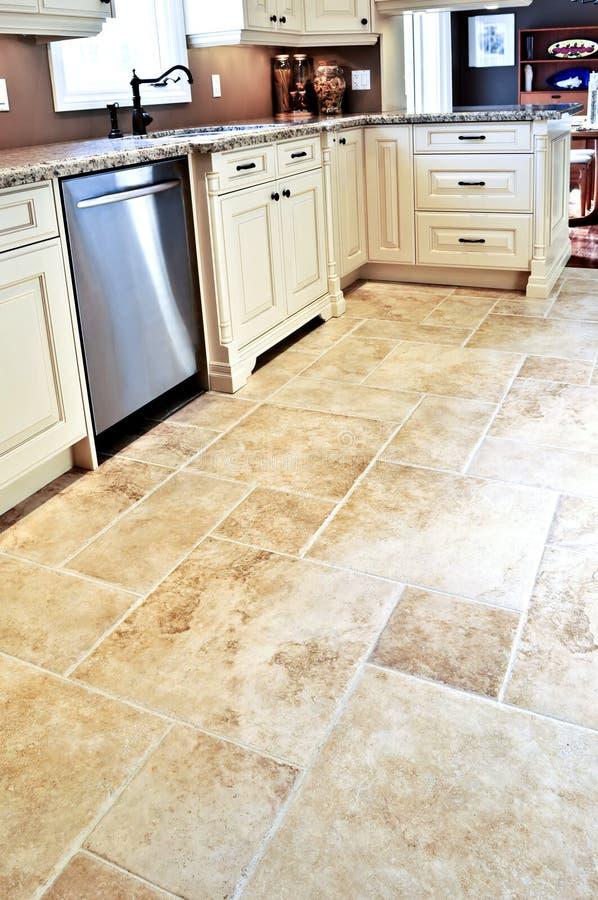 modern tegelplatta för golvkök royaltyfri bild