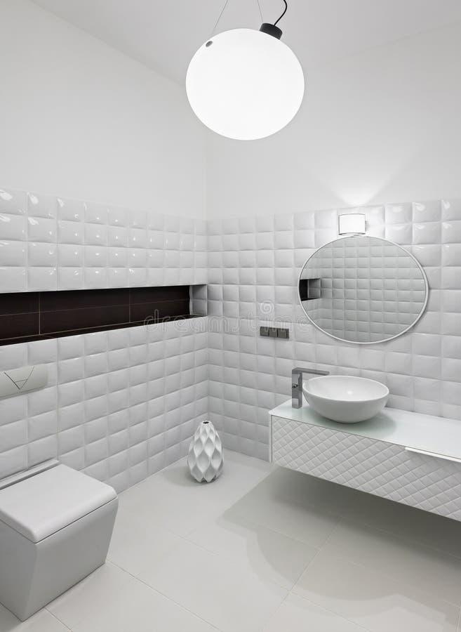 Modern toiletbinnenland stock fotografie