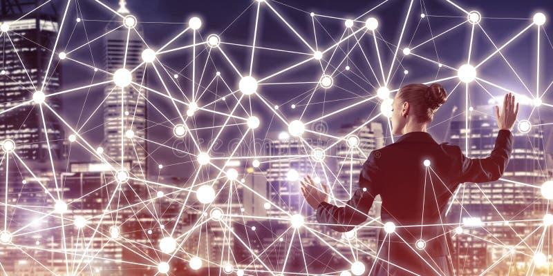 Modern trådlösa teknologier och nätverkande som hjälpmedlet för effectiv royaltyfri illustrationer