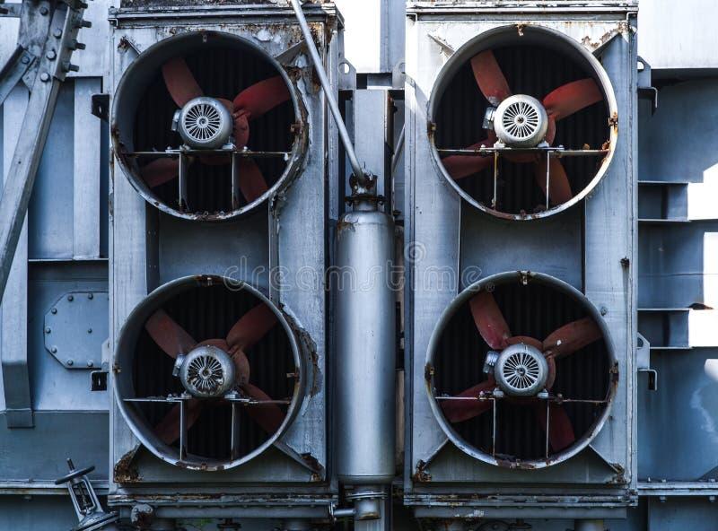 Modern Ventilatiesysteem ventilator 4 met pijpen stock foto's