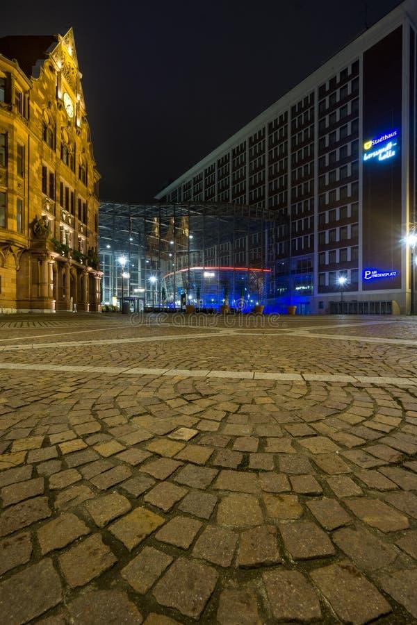 Modern versus Retro stijlachtergrond Oude Architectuur, in Dortmund, NRW stock afbeelding