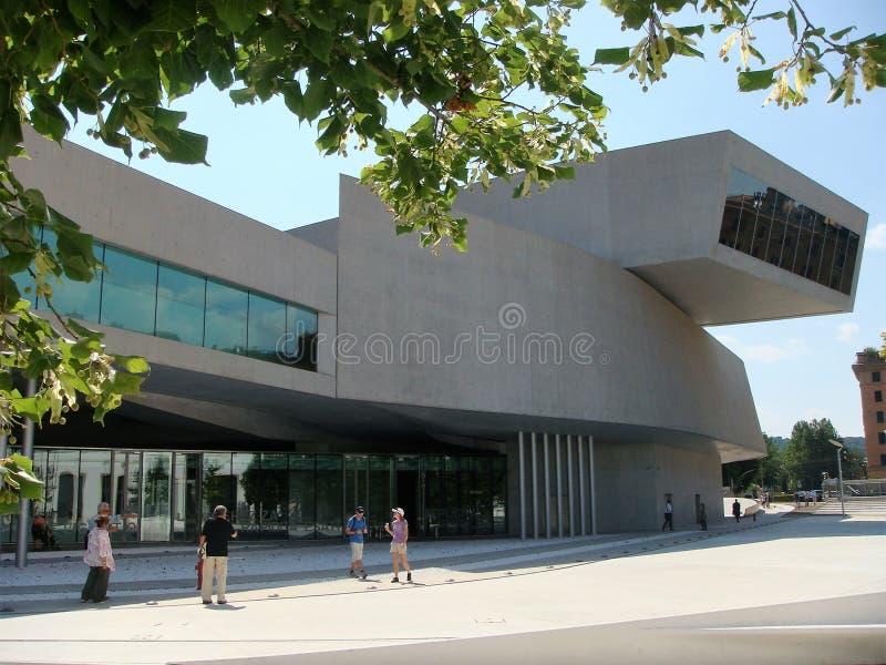 Modern vit struktur av det moderna museet av Maxxien i Rome i Italien arkivbilder