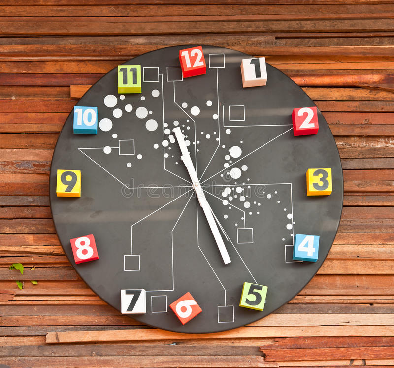 Free Modern Wall Clock Royalty Free Stock Photography - 23613977