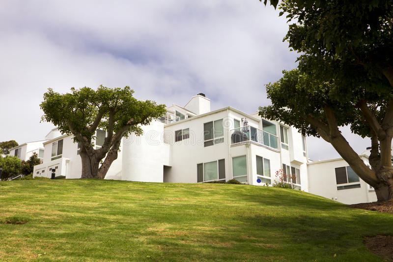 Download Modern White Homes On A Hill In California Stock Photography - Image: 26014862