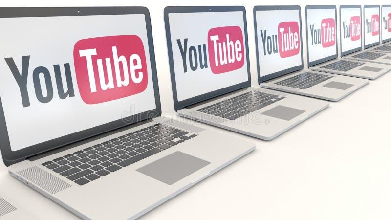 Moderna bärbara datorer med den YouTube logoen Tolkning för ledare 3D för datateknik begreppsmässig royaltyfri illustrationer