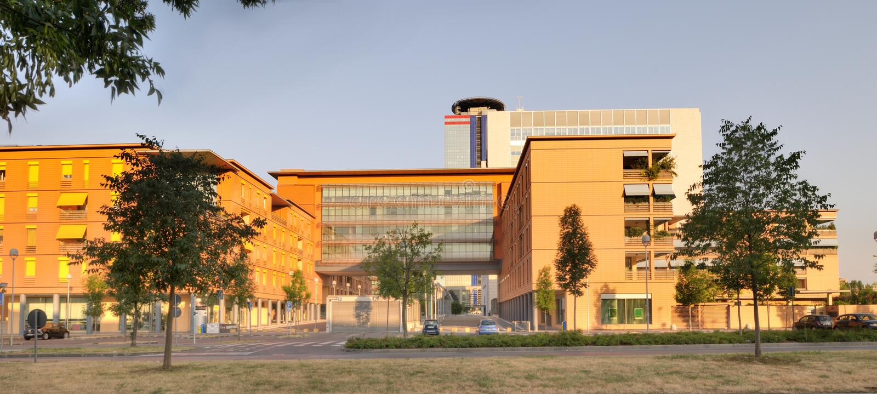 Moderna byggnader i Brescia royaltyfri foto