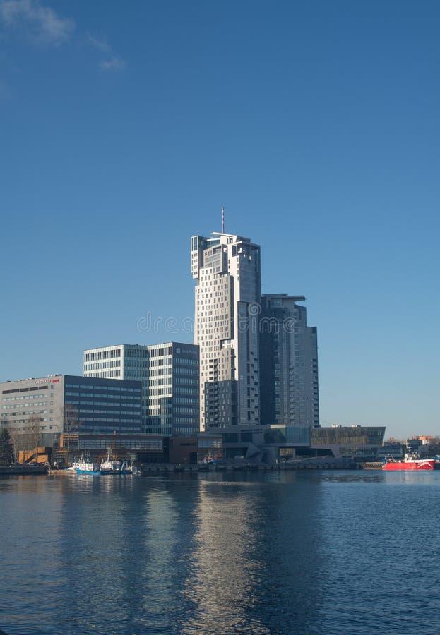 Moderna byggnader i den Gdynia hamnen fotografering för bildbyråer
