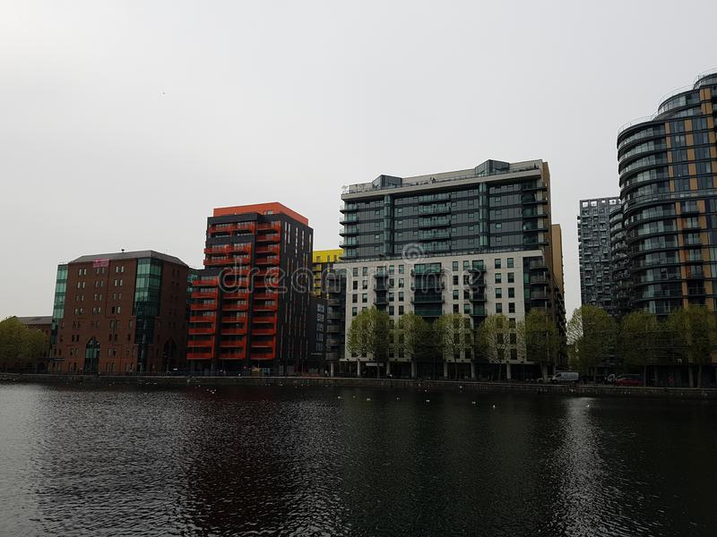 Moderna byggnader på Canary Wharf, London, UK arkivbilder