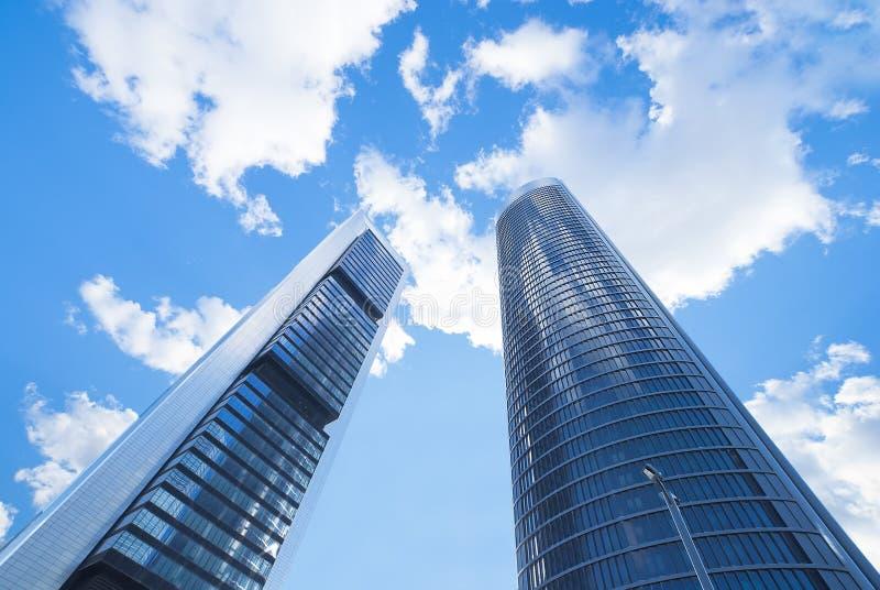 Moderna byggnader, skyskrapor. royaltyfria bilder
