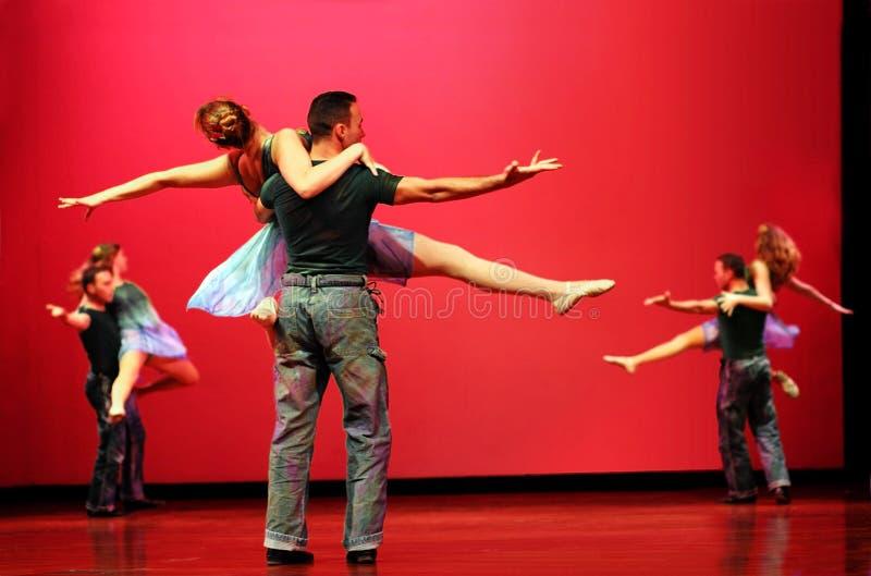 moderna dansare arkivbilder