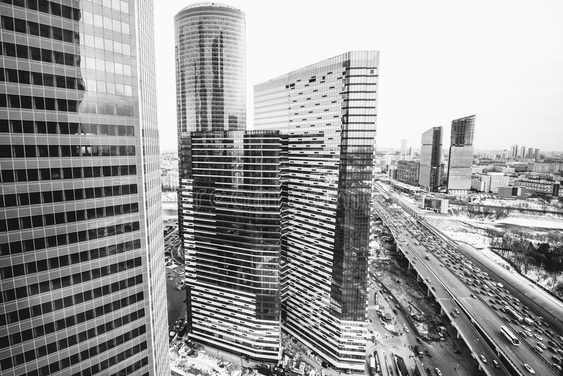 Moderna skyskrapor i ett affärsområde Höga löneförhöjningbyggnader av Moskva för Moskvaaffärsmitt - stad arkivfoton