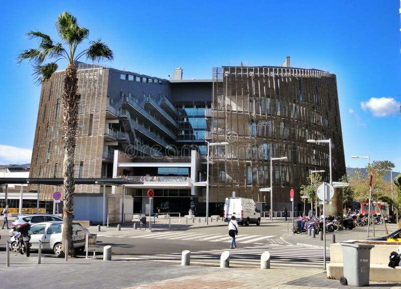 Moderne architectuur bij de Olympische Haven van Barcelona, Spanje royalty-vrije stock afbeelding