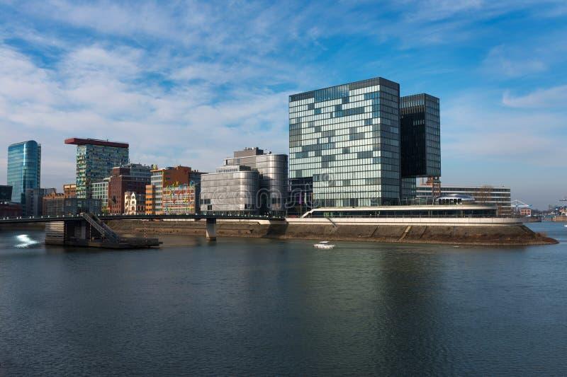 Moderne architectuur in DÃ ¼ sseldorf stock foto
