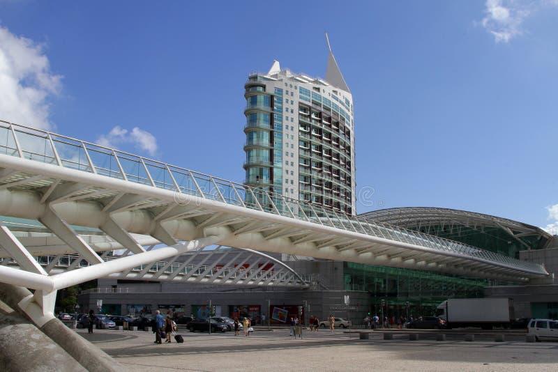 Moderne architectuur in Park van Naties, Lissabon royalty-vrije stock fotografie