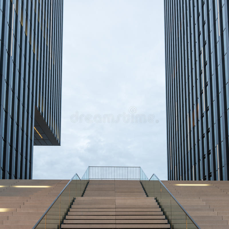 Moderne Architektur Dusseldorf, Deutschland lizenzfreies stockbild