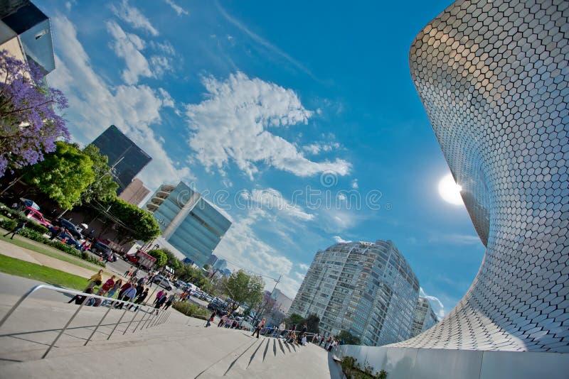 Moderne Architektur und das Museumsgebäude in der Mitte von Mexiko City stockfotografie
