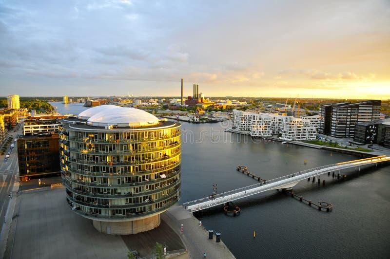 Moderne Architektur und die Brygge-Brücke, Sydhavn, Kopenhagen lizenzfreie stockfotografie