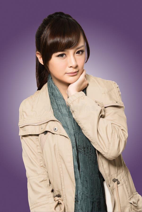 Moderne Asiatin stockfoto