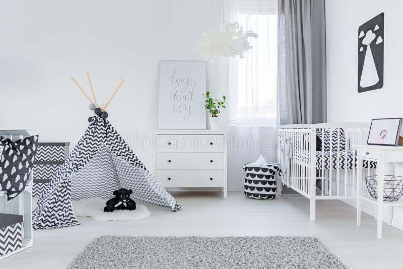 Moderne babyruimte stock afbeeldingen