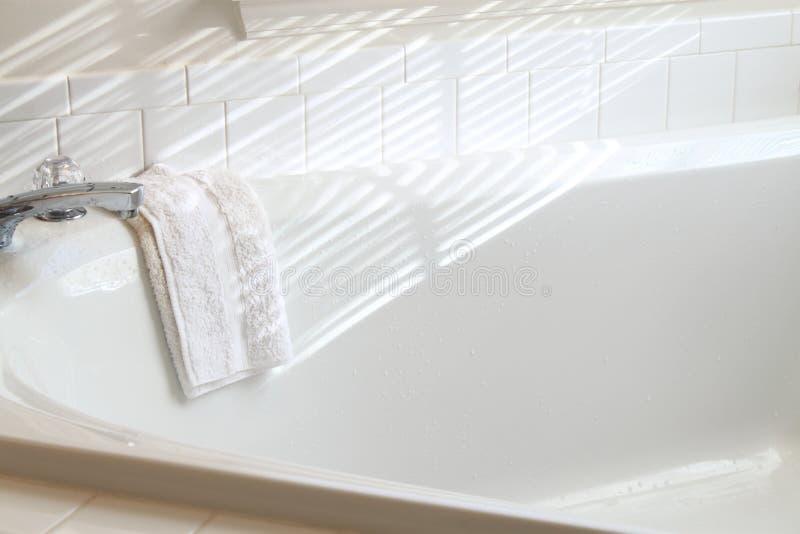 Moderne Badewanne   lizenzfreie stockfotos