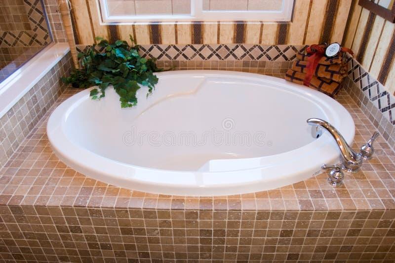 Moderne badkuip royalty-vrije stock foto's