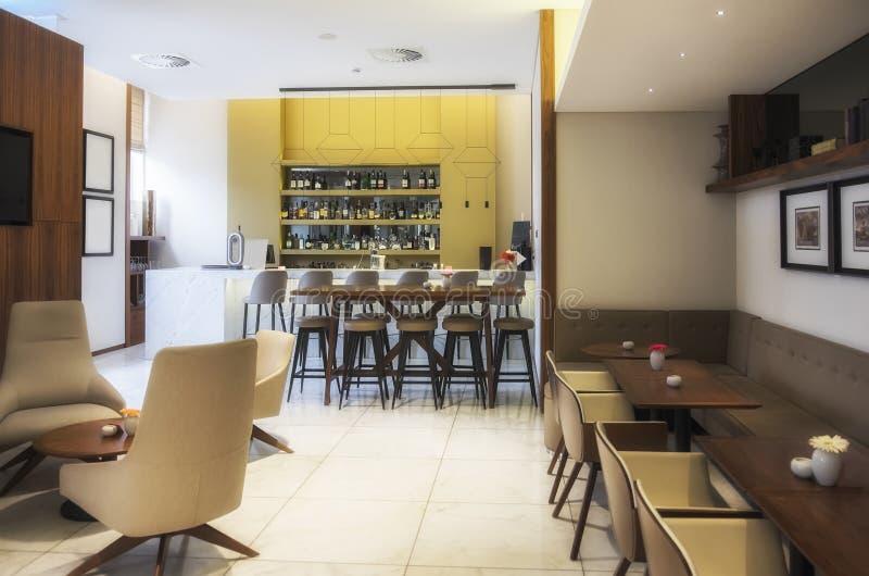 Moderne bar in restaurant stock afbeelding
