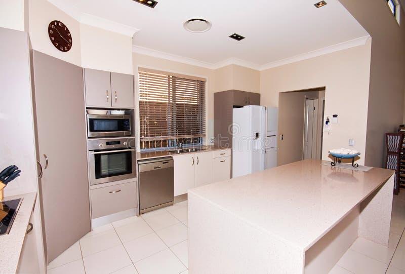 Moderne Beige Keuken stock foto's