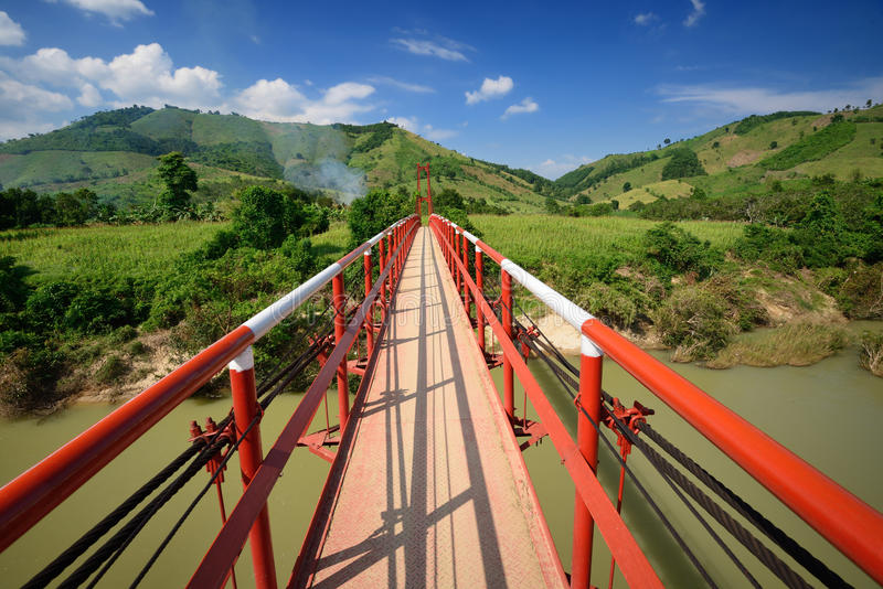 Moderne betrouwbare kabelhangbrug. Vietnam royalty-vrije stock foto's