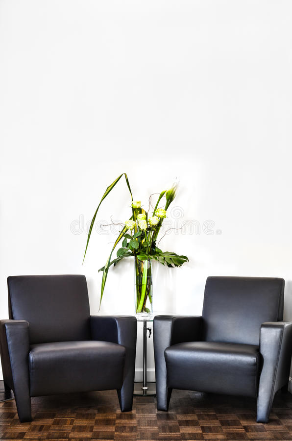 Moderne Binnenlandse Zaal en witte muur royalty-vrije stock fotografie