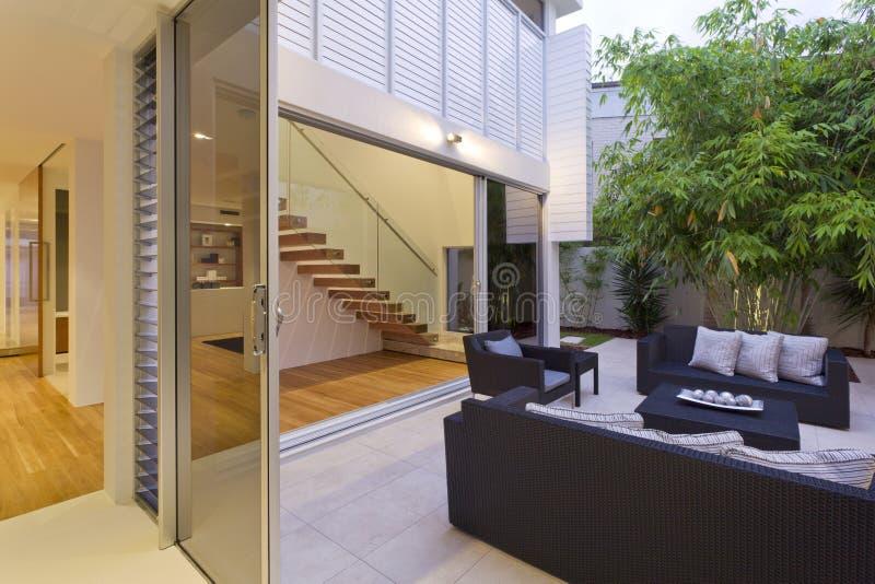 Moderne binnenplaats royalty-vrije stock fotografie