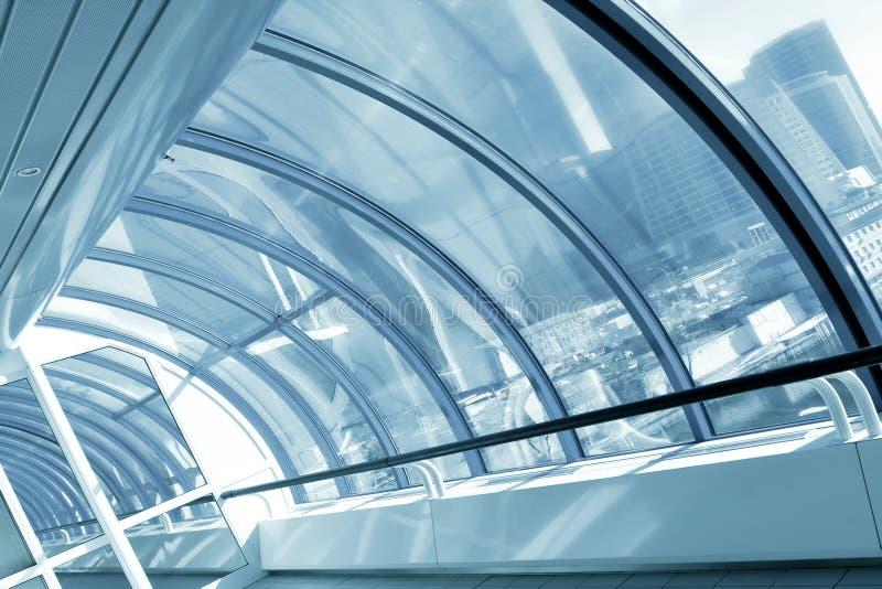 Moderne blaue Halle lizenzfreie stockbilder