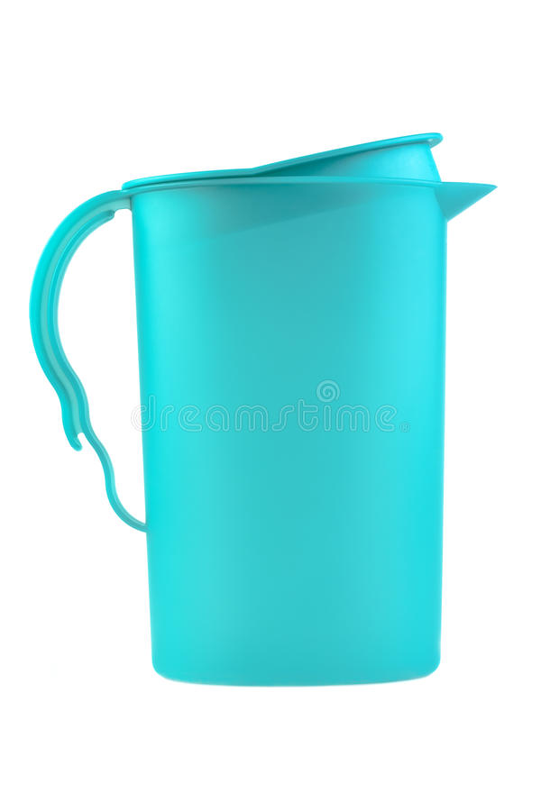 Moderne blauwe plastic waterkruik die op wit wordt geïsoleerdw royalty-vrije stock foto's