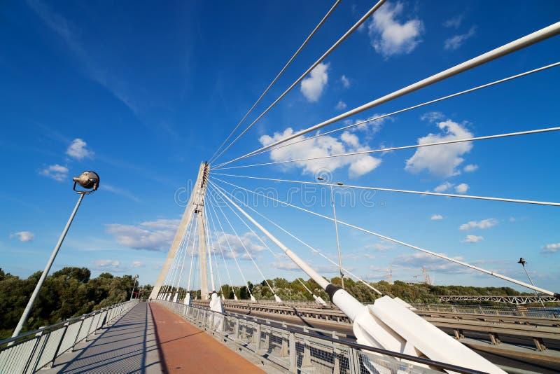 Moderne Brücken-Auszugs-Architektur stockfotografie