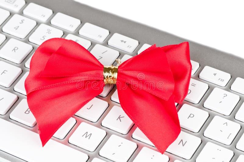 Moderne Computertastatur Mit Rotem Bogen. Lizenzfreies Stockbild
