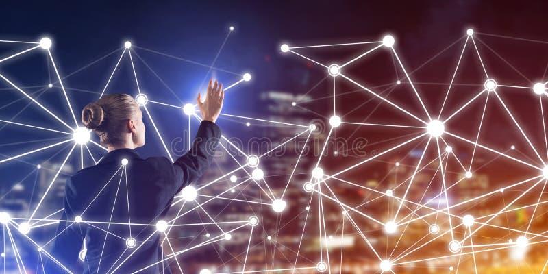 Moderne drahtlose Technologien und Vernetzung als Werkzeug für effektives Geschäft lizenzfreies stockfoto
