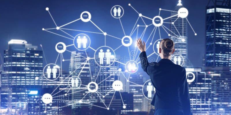 Moderne drahtlose Technologien und Vernetzung als Werkzeug für effektives Geschäft lizenzfreie stockfotografie