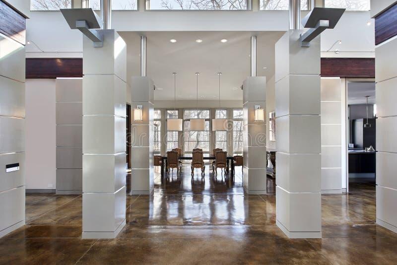 Moderne eetkamer en zaal royalty-vrije stock afbeeldingen