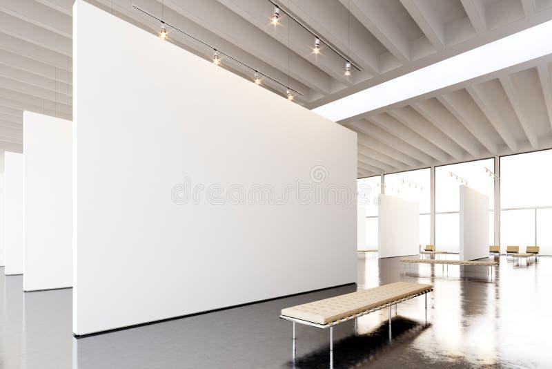 Moderne Galerie der Bildausstellung, offener Raum Hängendes Museum der zeitgenössischen Kunst des leeren weißen leeren Segeltuche lizenzfreies stockfoto