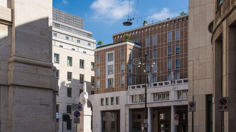 Moderne Gebäude in der historischen Mitte stockfoto