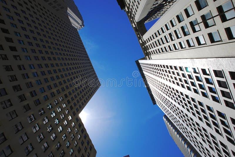 Moderne Gebäude des Büros lizenzfreie stockbilder