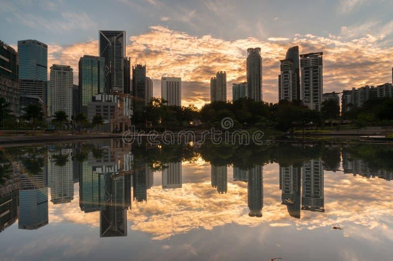 Moderne Gebäude in Kuala Lumpur, Malaysia-Geschäftsgebiet lizenzfreie stockfotografie