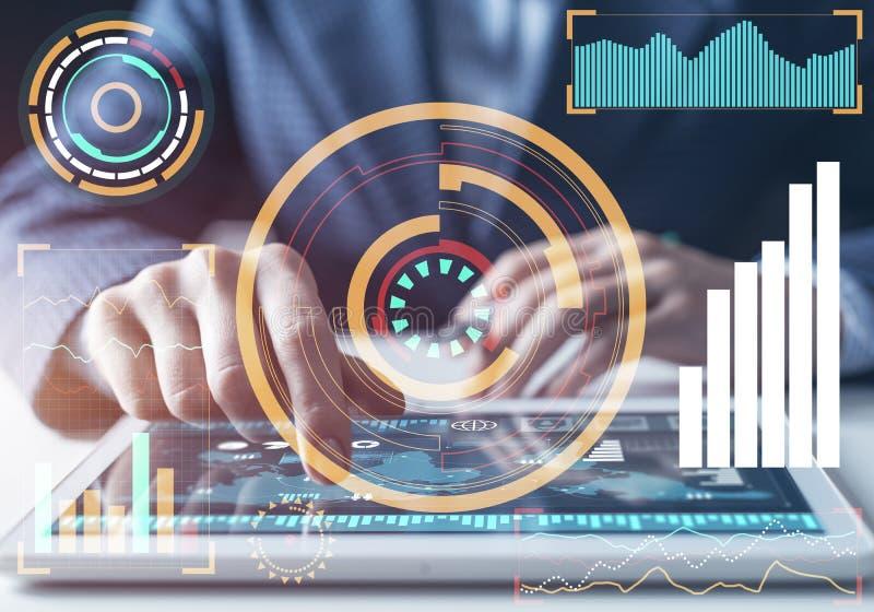 Moderne gegevensverwerking in bedrijfsanalytics stock foto's