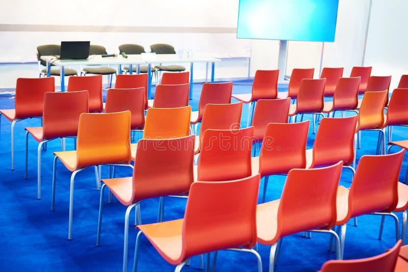 Moderne Geschäftskonferenzklasse stockfotos