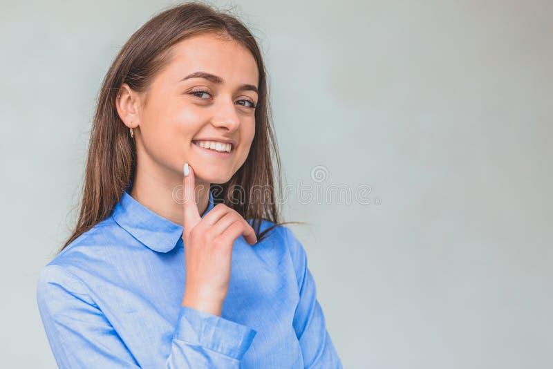 Moderne Geschäftsfraustellung , Gesichtsausdrücke vom Wunder machend lizenzfreie stockfotos